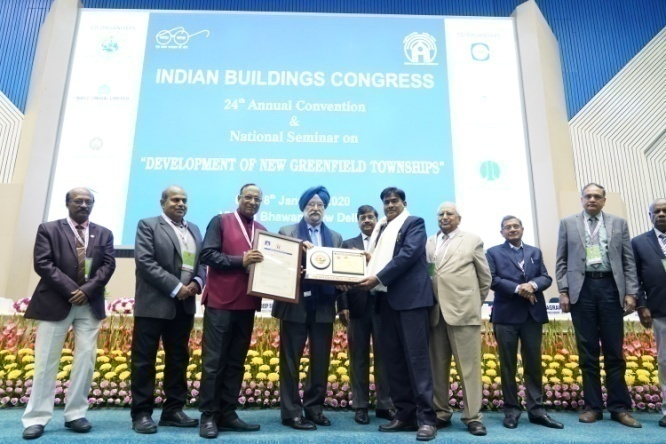 ShriC.L.Verma, Receiving Outstanding Contribution to IBC Award